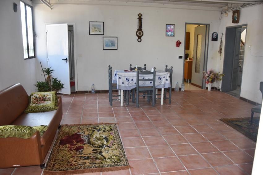 Ristrutturare Bagno Casa In Affitto : Casa singola con giardino a salizzole vendita e affitto di